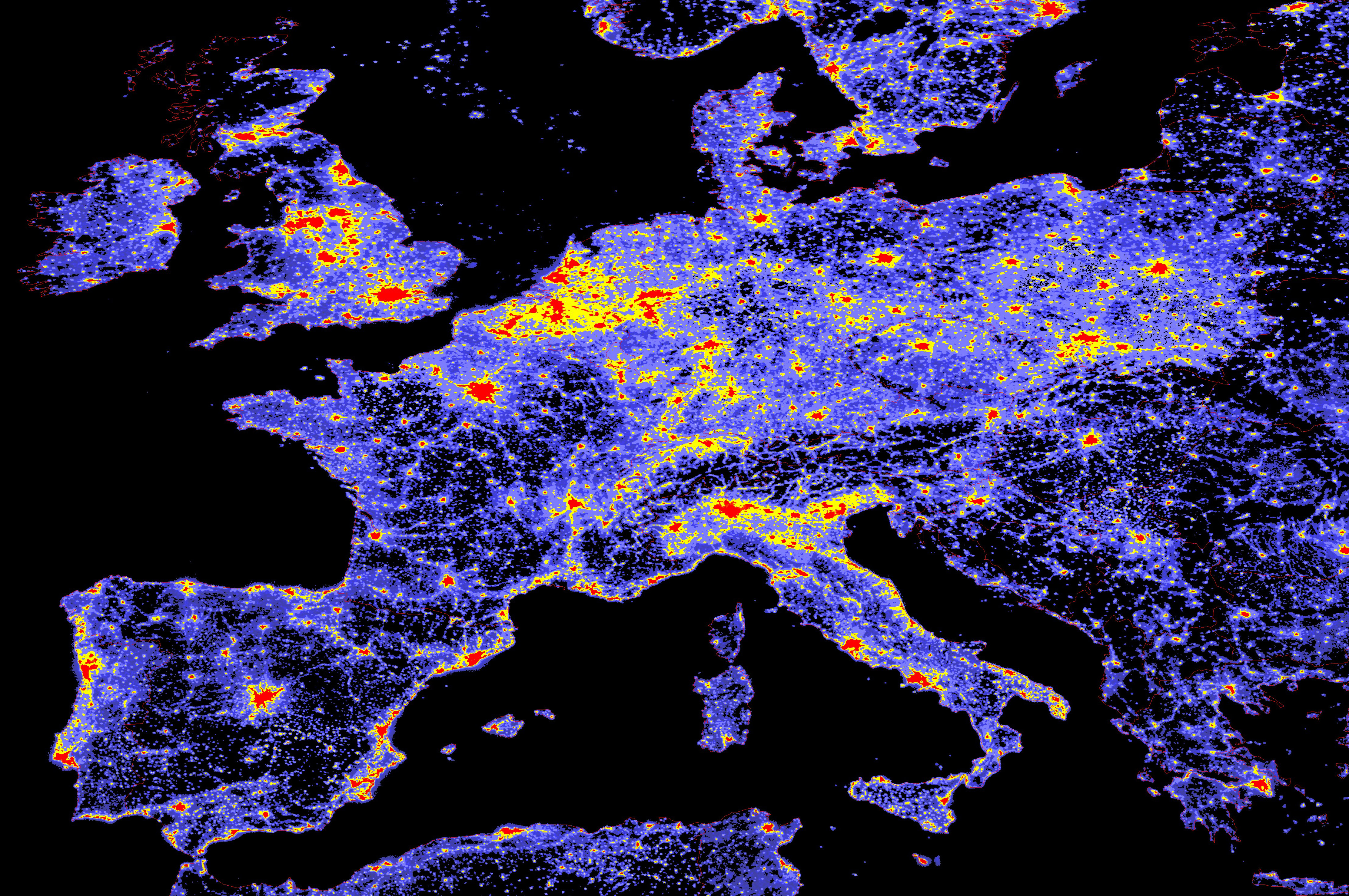 Inquinamento luminoso in Europa (NASA Earth Observatory/NOAA NGDC)